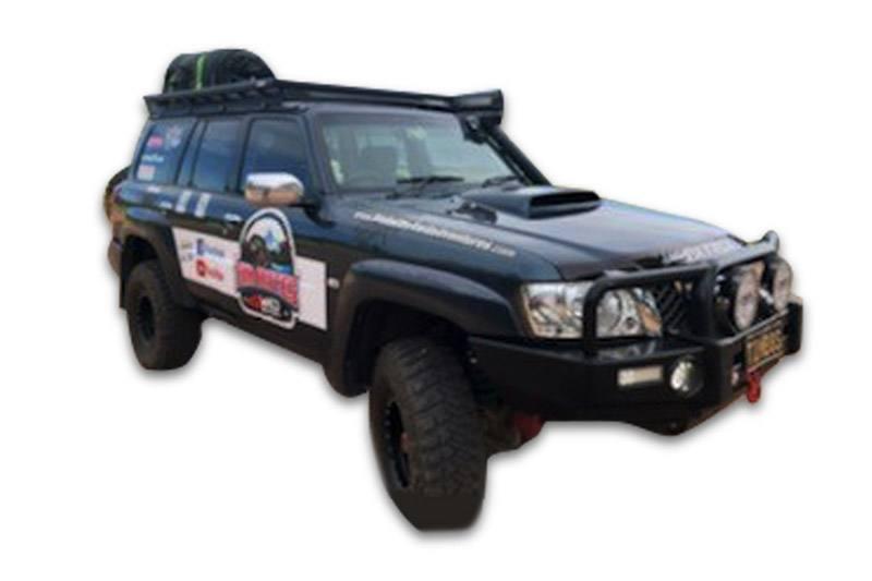 Nissan Patrol GU with Wedgetail roof rack installed hero image.