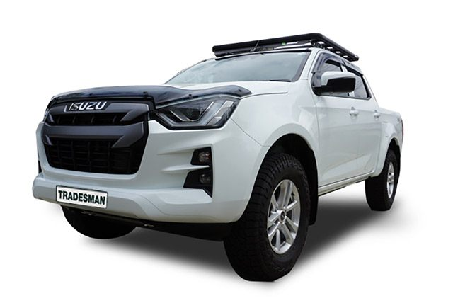 2020 Isuzu D-Max dual cab ute with a Wedgetail rack installed – hero image.
