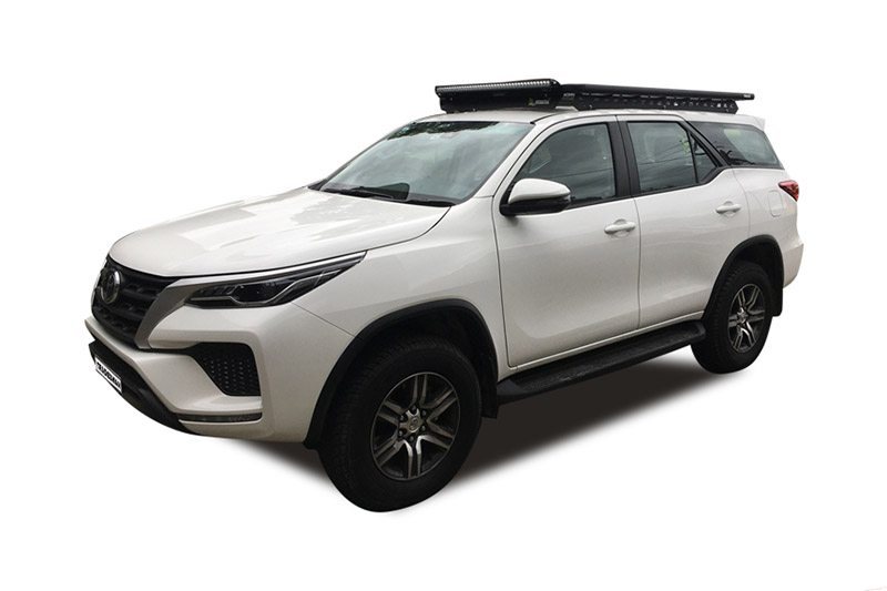 Toyota Fortuner with a Wedgetail rack installed – Hero image.